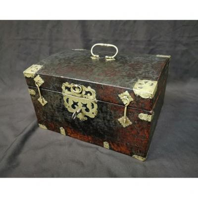 Large Leather Box Louis XIV Period. Late 17th Century