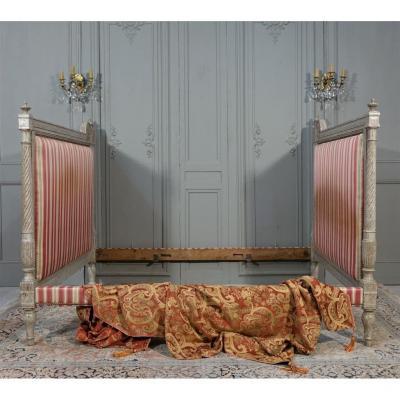 Lit d'époque Louis XVI Relaqué Gris