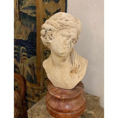 Buste De Femme En Marbre 17ème
