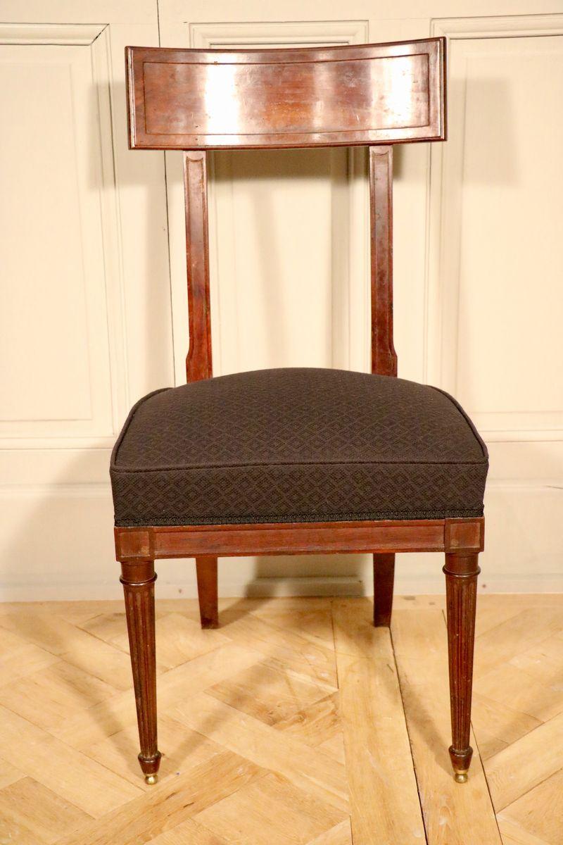 Rare Suite De 12 Chaises Directoires