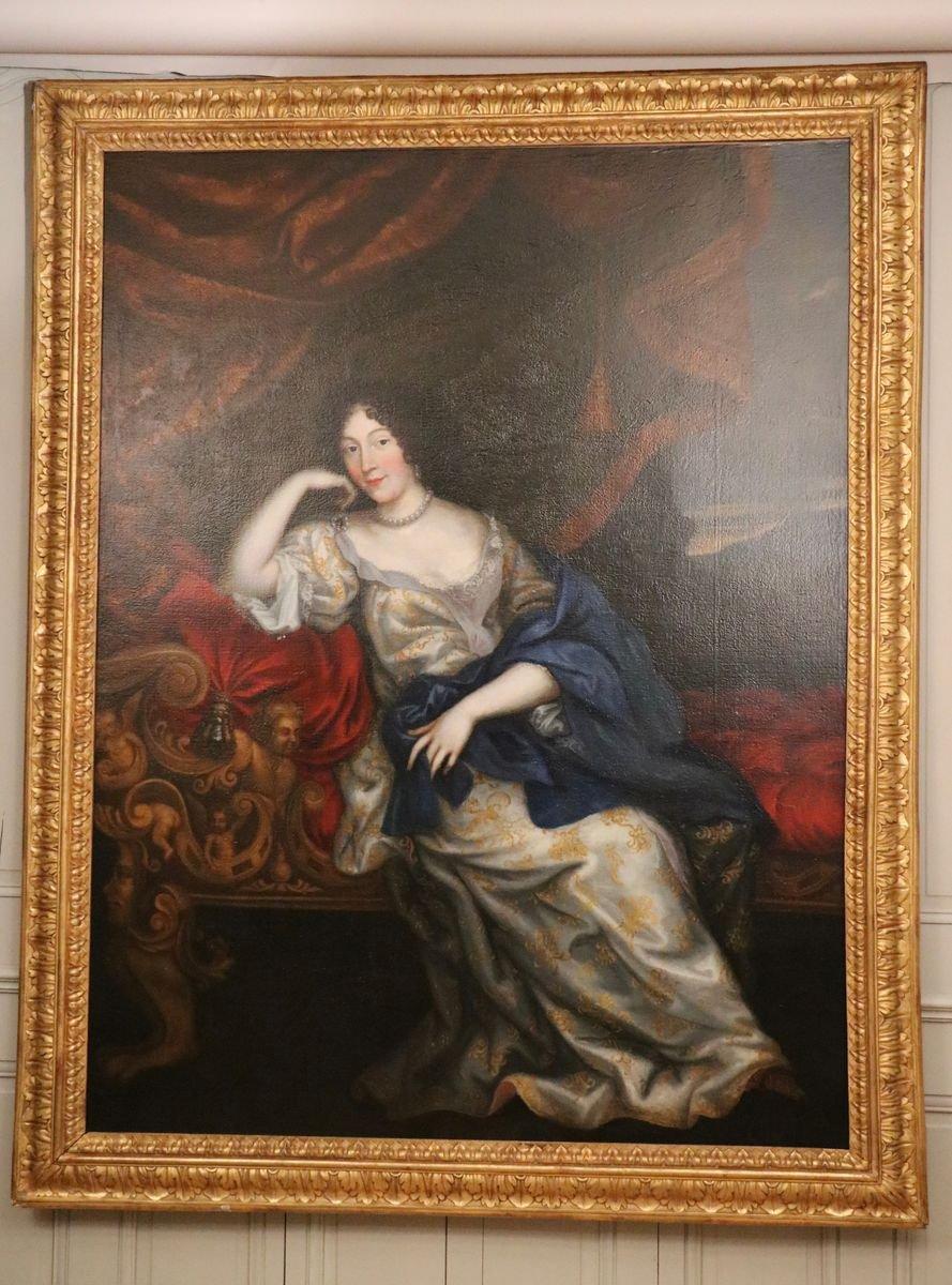 Portrait En Pied d'Une élégante