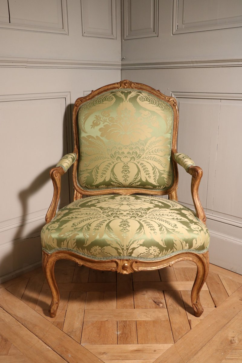 Set Of Four Rare Queen's Armchairs In Golden Wood Stamped Tilliard