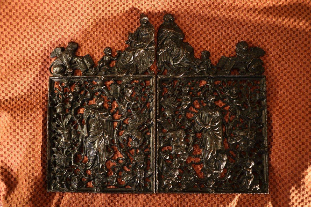 Ensemble De Deux Grilles En Bronze Représentant Les Portes De La Loggetta De Sansovino