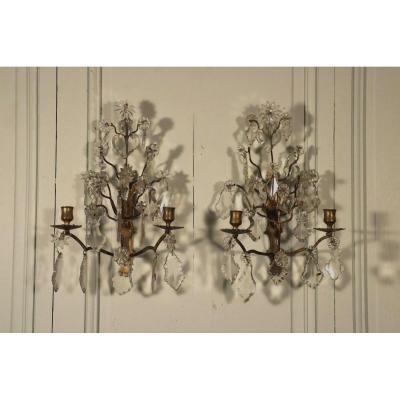 Paire D'appliques à Deux Branches Et Pampilles, Bronze Doré Et Cristal, époque Louis XV
