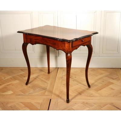Table In Walnut, Rhône Valley, Louis XV.