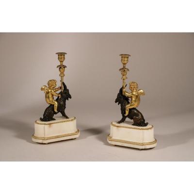 Paire De Flambeaux Aux Béliers, Bronze Patiné Et Doré