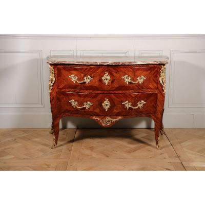 Commode d'époque Louis XV Estampillée De Carel