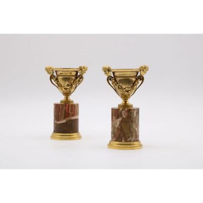 Paire De Bougeoirs En Bronze Doré Et Jaspe De Sicile