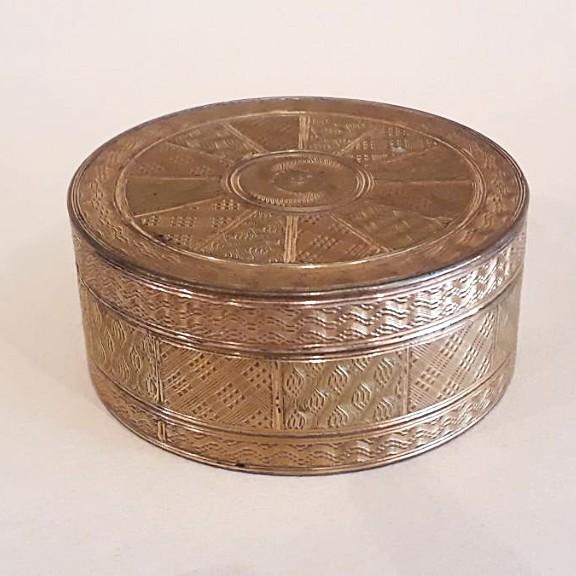 Louis XVI Pompone Box