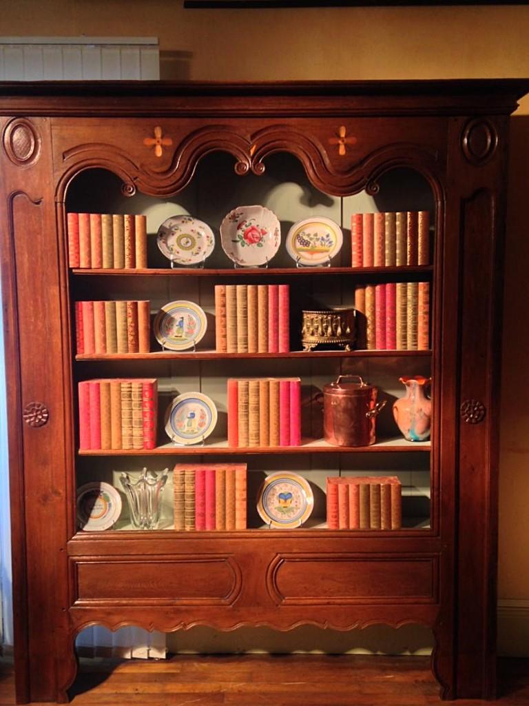 Bibliothèque boiserie d'alcôve chêne Louis XV, fin XVIIIe
