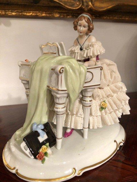 Porcelaine «La Pianiste» Unterweissbach XIXe