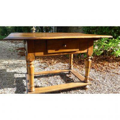 Table Alsacienne noyer massif fin XVII/XVIII éme