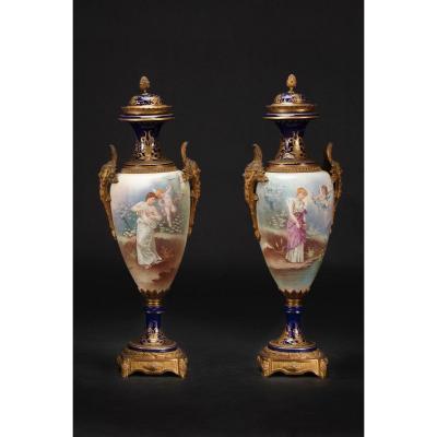 Pair Of Vases In Porcelaine