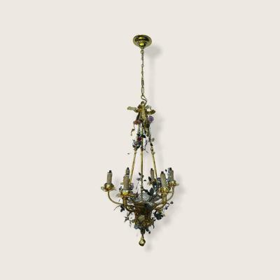 Lustre Panier En Bronze à Six Branches Rehaussé De Fleurs En Porcelaine.