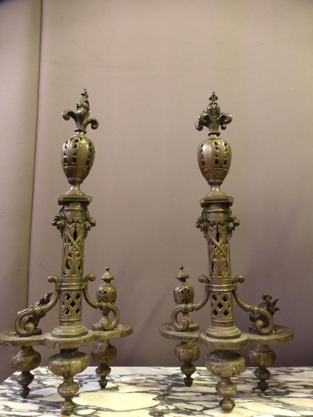 Paire De Chenets En Bronze Argenté