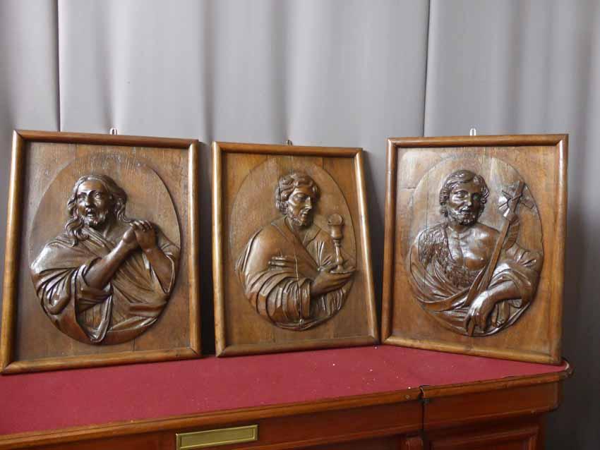 Panneaux Bois Christ En Médaillon