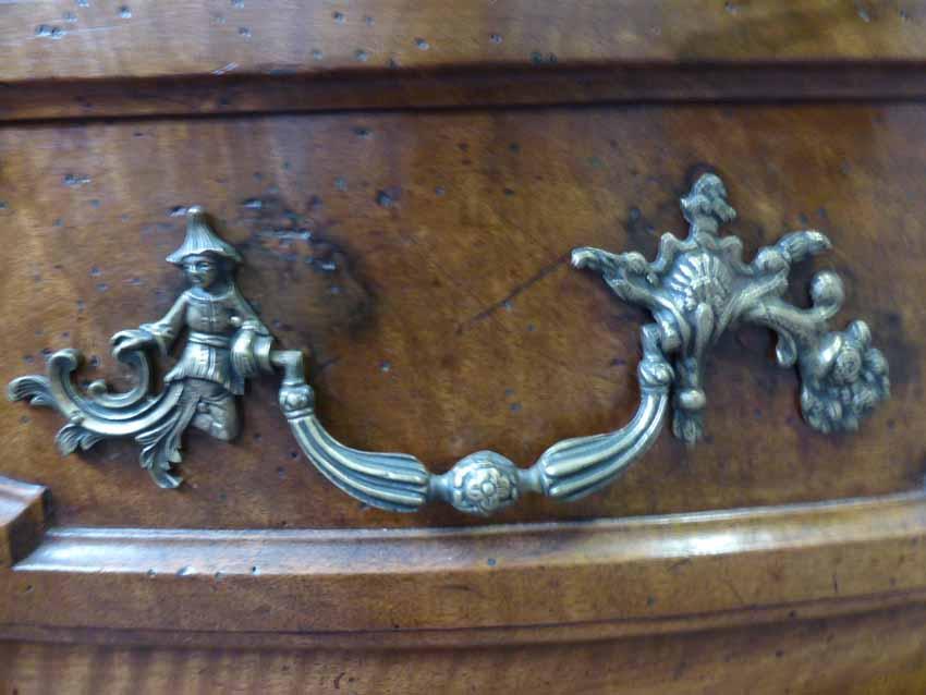 Crossbow Walnut Commode, XVIIIth Century-photo-2