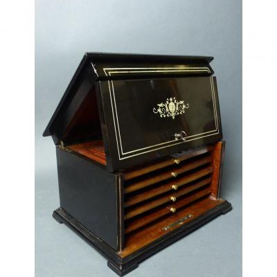 Diehl Stamped Cigar Humidor