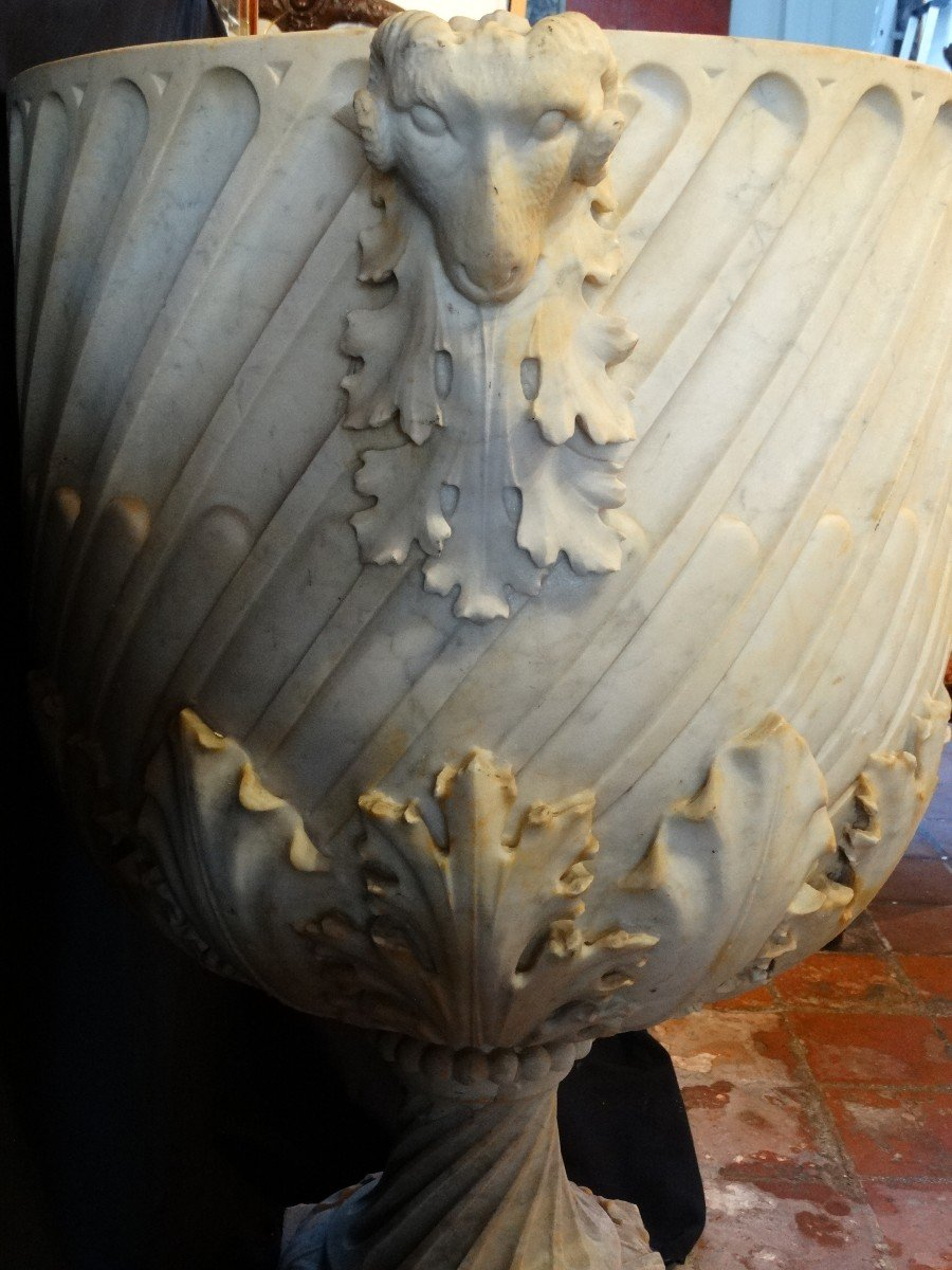 Vasque de parc en marbre de Carrare-photo-4