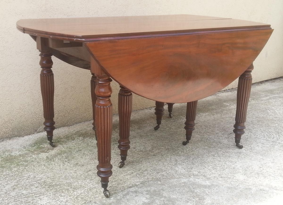 Tr s grande table manger en acajou massif 5 allonges for Grande table a manger