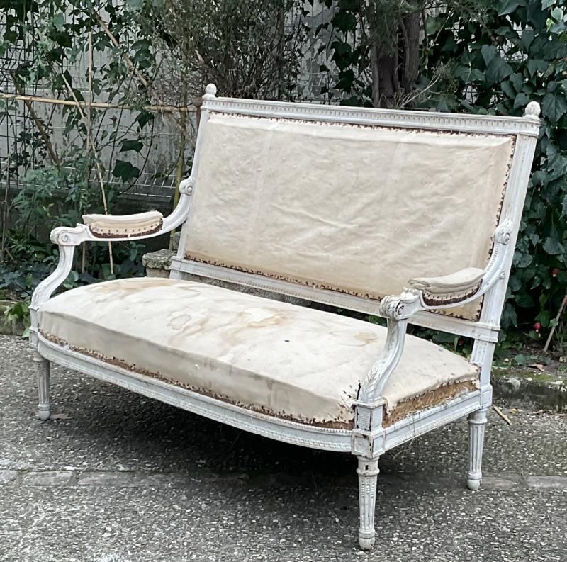 Canapé Louis XVI Laqué Blanc Modèle de Georges Jacob -photo-2