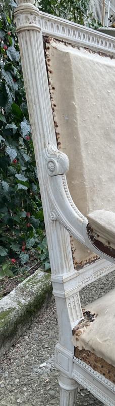 Canapé Louis XVI Laqué Blanc Modèle de Georges Jacob -photo-4