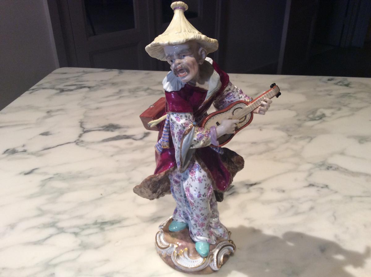 Meissen Porcelain: Chinese Playing De La Mandoline (malabar)