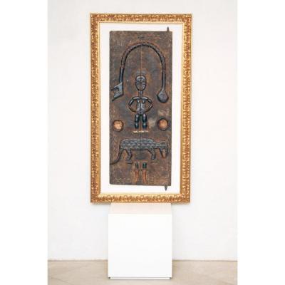 Tableau ou sculpture africaine sculptée dans le bois, encadrée - Début Du XXème Siècle