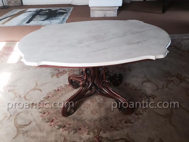 Table De Thonet