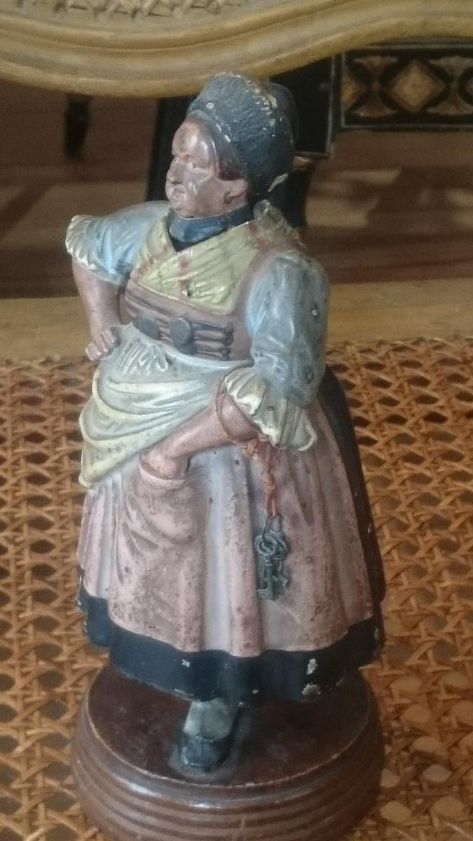 Character in paper m ch austria 19th century for Paper mache objects