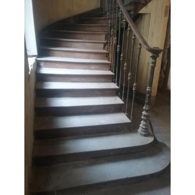 Escalier En Chêne Avec Tiges En Fonte