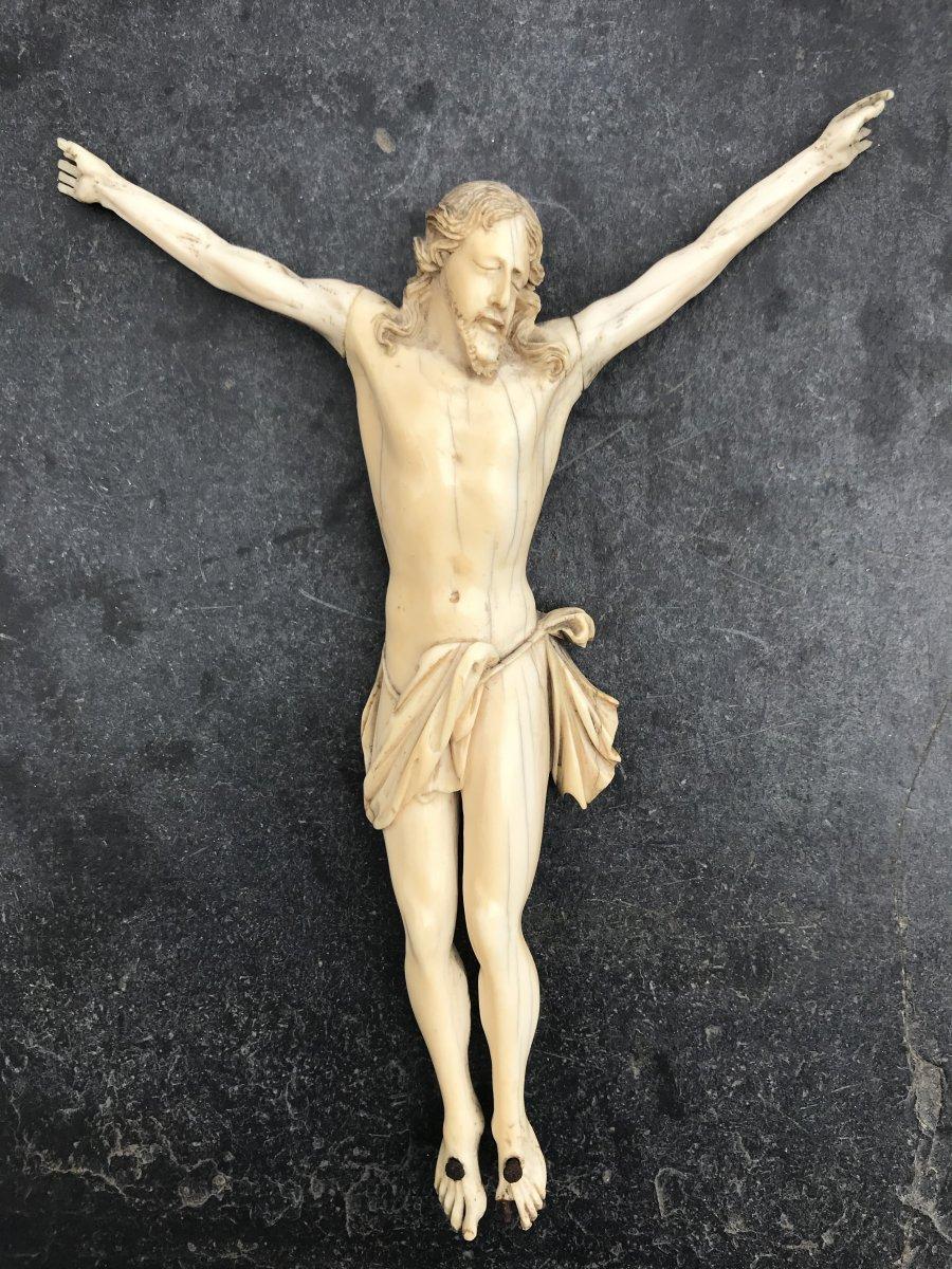 Christ En Ivoire Du XVIIIème Siècle
