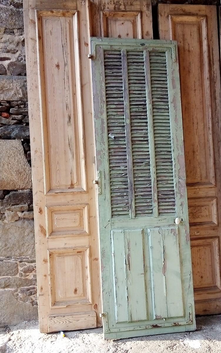 Porte Ancienne Avec Persienne Boiserie Portes