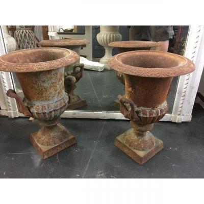 Paire De Vases En Fonte à Anses