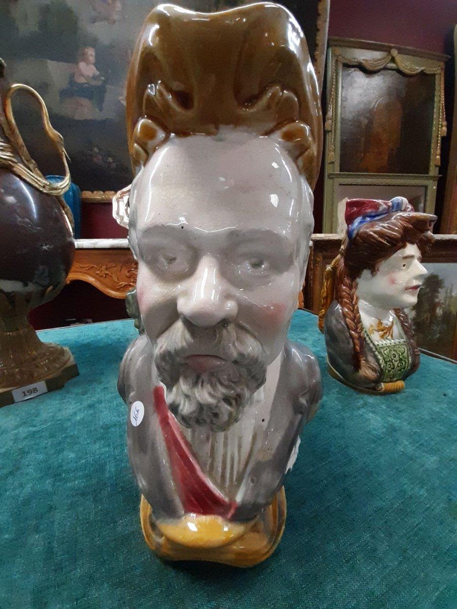 Rare Pichet En Barbotine Poincaré