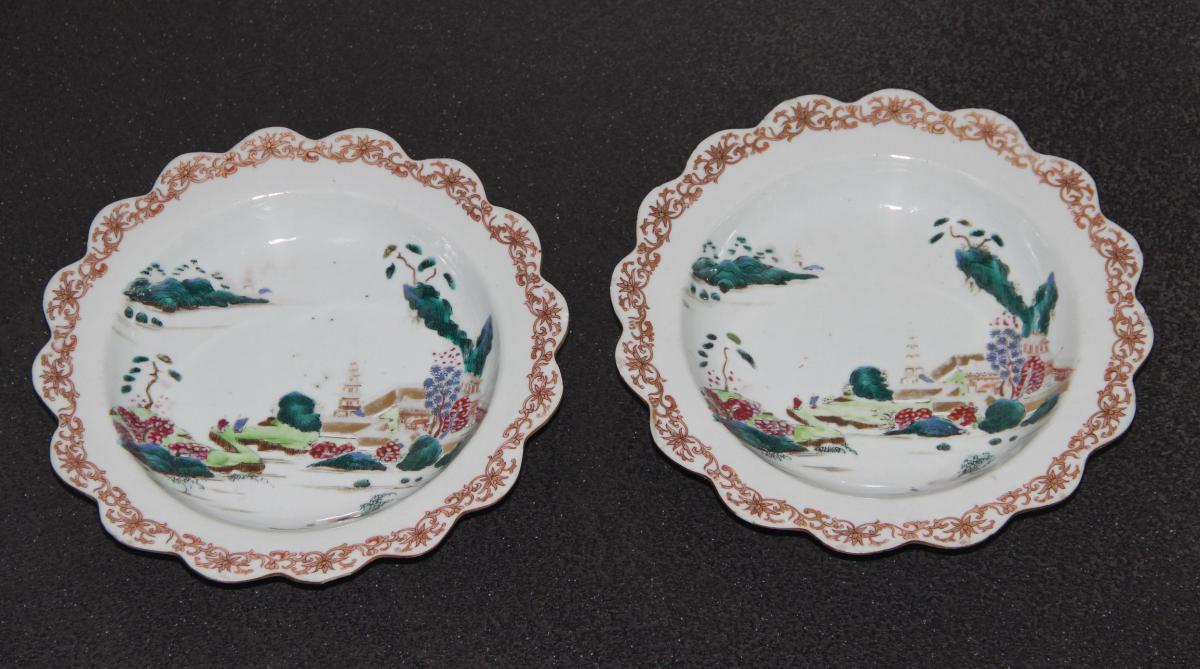Paire d,Assiettes En Porcelaine De Chine XVIIIéme