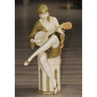 Royal Dux Jeune Fille Jouant Du Banjo d'époque Art Déco