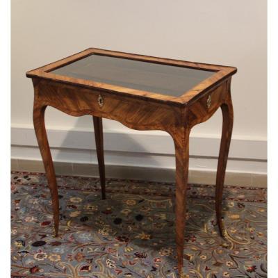 Table de Milieu Formant Vitrine Louis XV En Marqueterie
