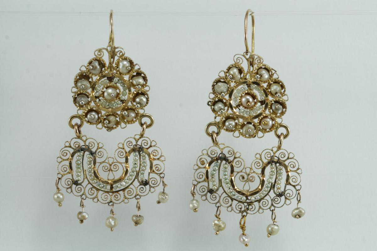Antique Pearls Gold Filigree Earrings