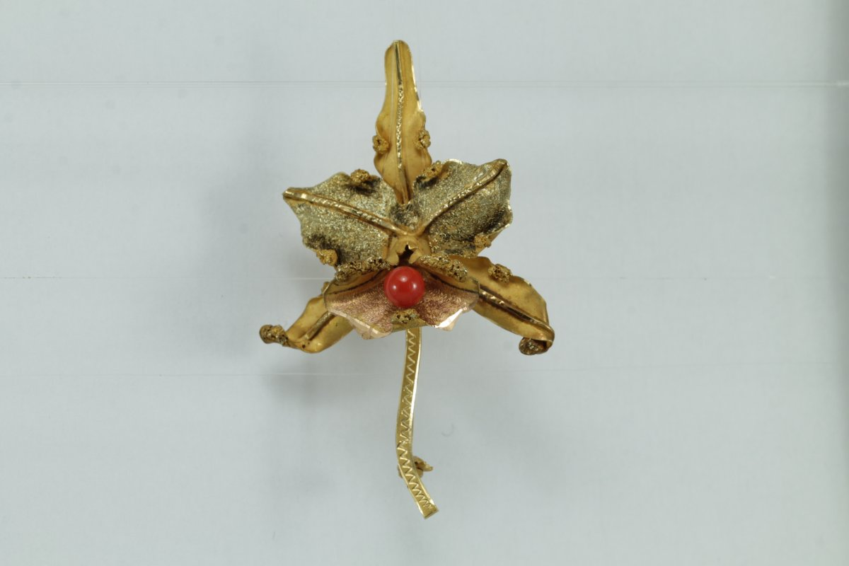 Antique Orchid Gold Coral Brooch