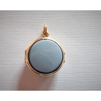 Gold And Agate Opening Pendant