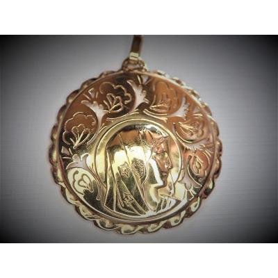 Holy Virgin Pendant In 18k Gold