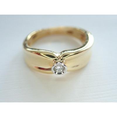 18k Gold Diamond Ribbon Ring