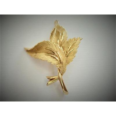 18k Gold Brooch