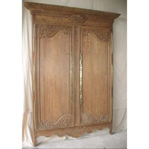 Front Paneling Of A Norman Wedding Cabinet In Carved Natural Oak