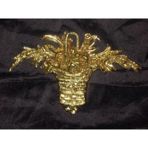 Bronze décoratif à décor de panier fleuri 19ème de style Louis XVI