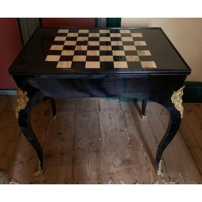 Tric-trac, in ebony veneer and lacquered wood,<br />