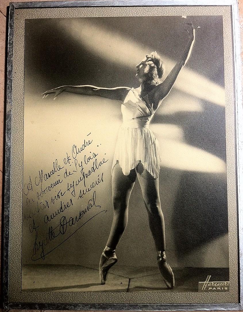 Photo de Lycette Darsonval dédicacée et signée