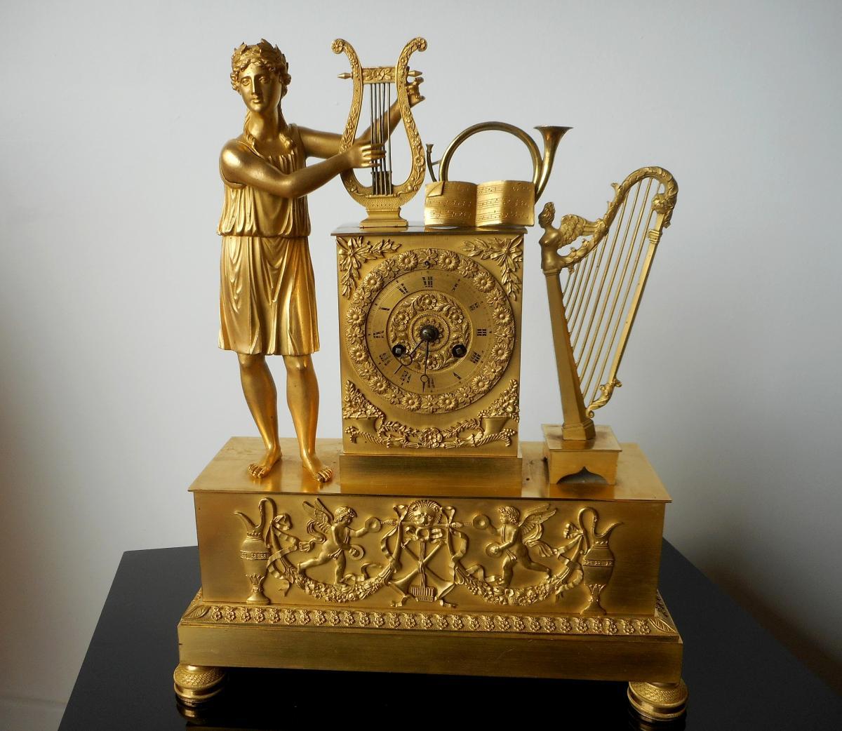 Pendule En Bronze Doré Allégorie De La Musique. Epoque Restauration 19ème Siècle