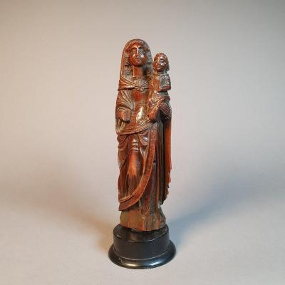 A Large Virgin And Child In Boxwood, XVIth.